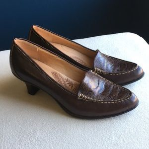 Sofft brand brown leather heels size 6
